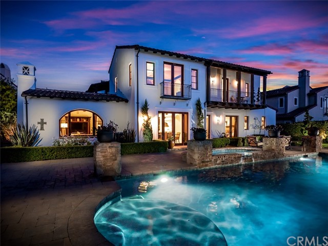 15 Via Conocido, San Clemente CA: http://media.crmls.org/medias/881d0a1a-6bab-4af4-b5ef-3debbe986e59.jpg