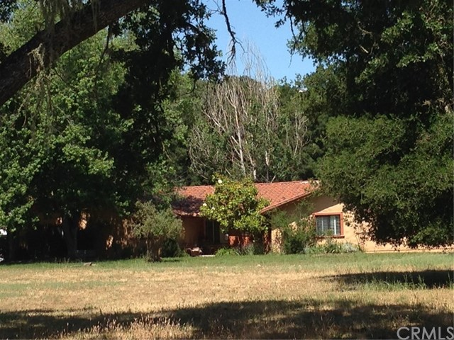 Property for sale at 8200 Graves Creek Road, Atascadero,  CA 93422