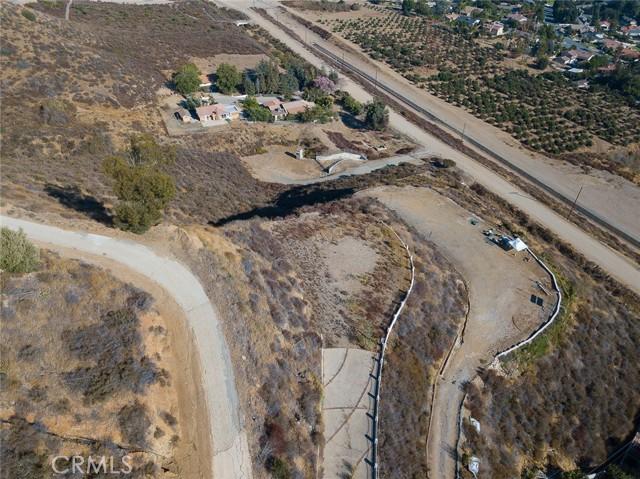 19 E 26th Street, Upland CA: http://media.crmls.org/medias/8820f533-bad4-49a5-9b51-f1aad122587a.jpg
