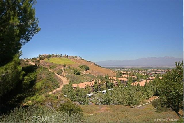 2818 Green River Road, Corona CA: http://media.crmls.org/medias/88237485-ee5d-4147-a455-05f20456827c.jpg