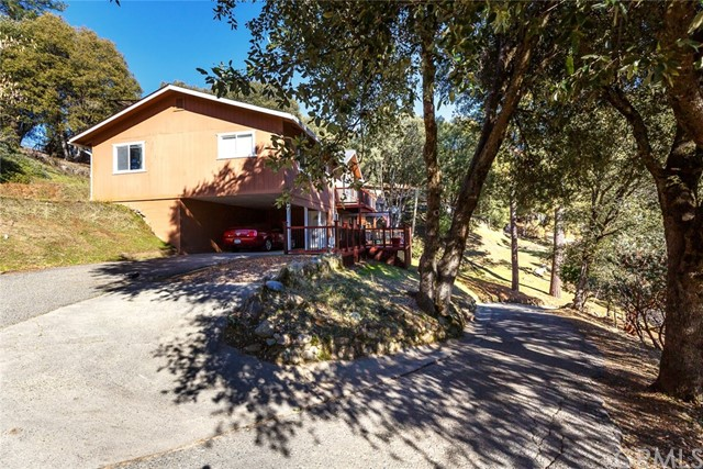2392 Parmabelle Road, Mariposa CA: http://media.crmls.org/medias/882f698f-ad5a-48f4-a656-f8f2604251c5.jpg