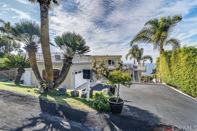 31365 Monterey Street, Laguna Beach CA: http://media.crmls.org/medias/883648a5-3545-4ef1-bfb9-42a9b5fe60ac.jpg