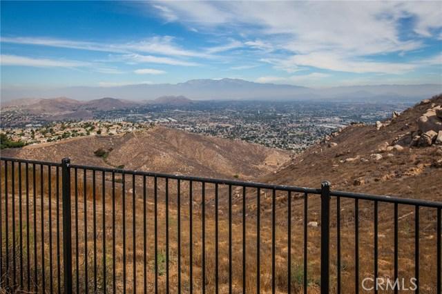16736 Golden Bluff, Riverside CA: http://media.crmls.org/medias/88370e94-8e8f-4586-bb6c-f8307434dde7.jpg