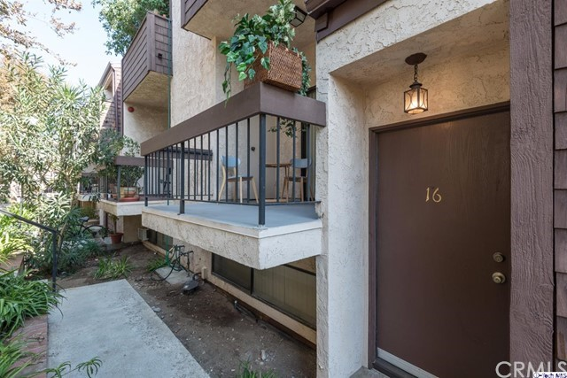 320 McHenry Road Unit 16 Glendale, CA 91206 - MLS #: 317007252