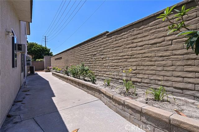 11123 BRIGANTINE Street, Cerritos CA: http://media.crmls.org/medias/8840faeb-1e6c-4d4d-bca5-44059d375a70.jpg