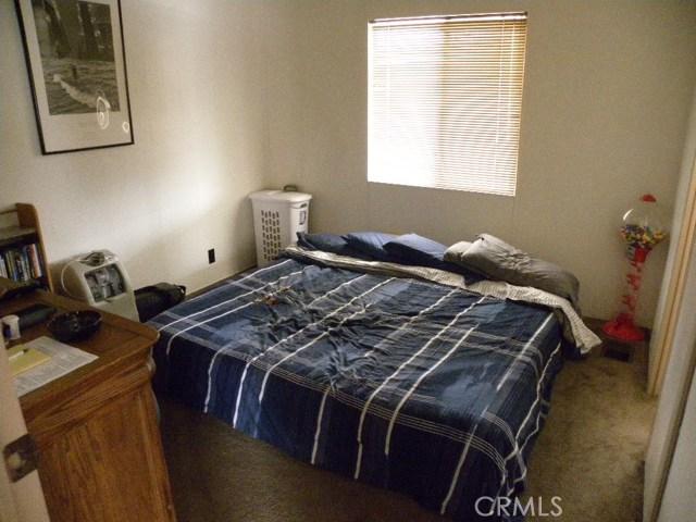 40897 Laredo, Cherry Valley CA: http://media.crmls.org/medias/88451474-0ad4-404a-b9f3-3bca8bec4f4a.jpg