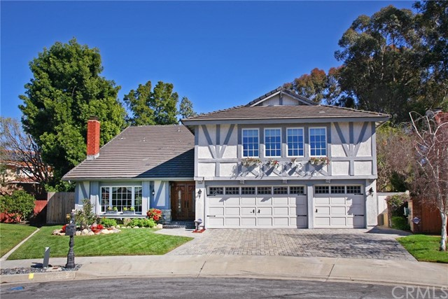 Single Family Home for Sale at 25072 Calle Madera Lake Forest, California 92630 United States