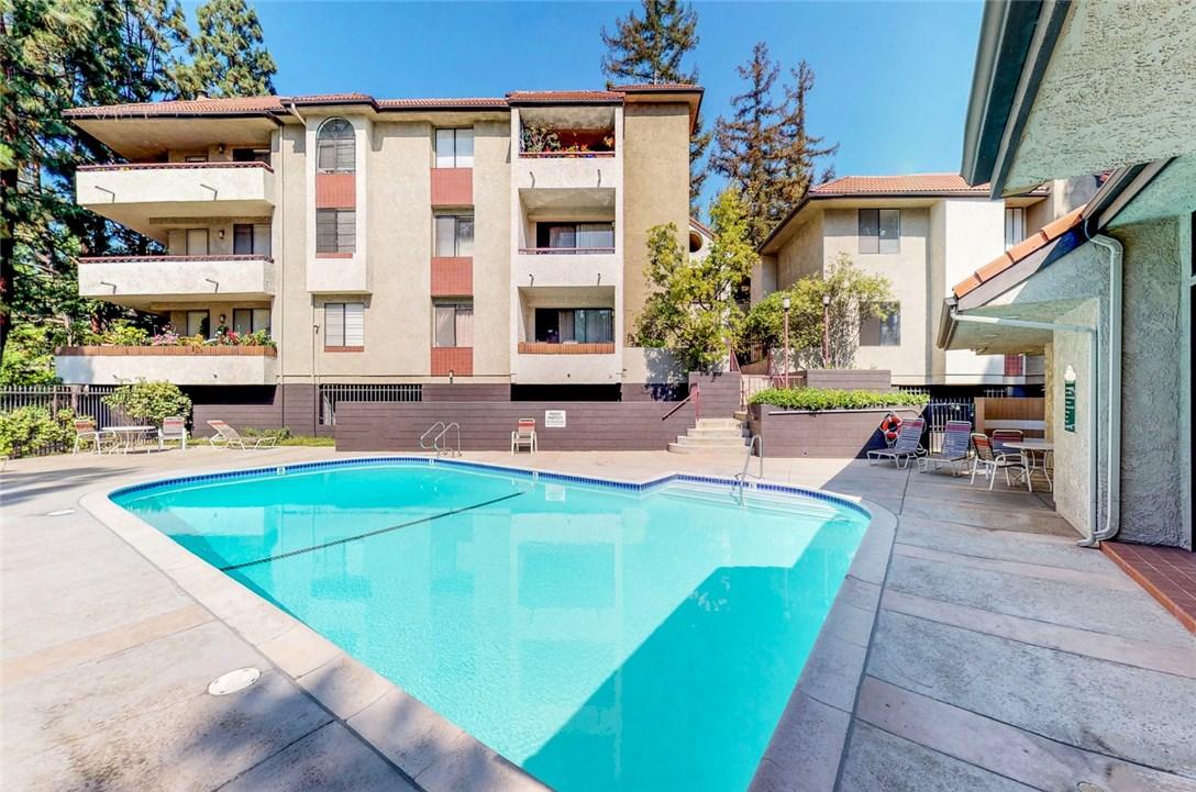 4280 Via Arbolada, Los Angeles CA: http://media.crmls.org/medias/885f1616-cb06-4add-a987-33b6e44d5bd0.jpg