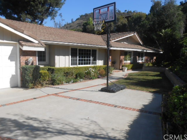 Single Family Home for Rent at 10531 Ridgeway St Santa Ana, California 92705 United States