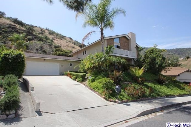 Single Family Home for Sale at 1995 Polaris Drive Glendale, California 91208 United States