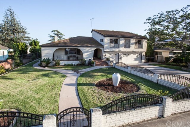Single Family Home for Sale at 10900 Woodward St Garden Grove, California 92840 United States