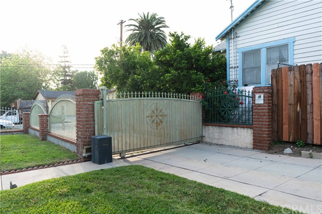 1542 El Sereno Av, Pasadena, CA 91103 Photo 2