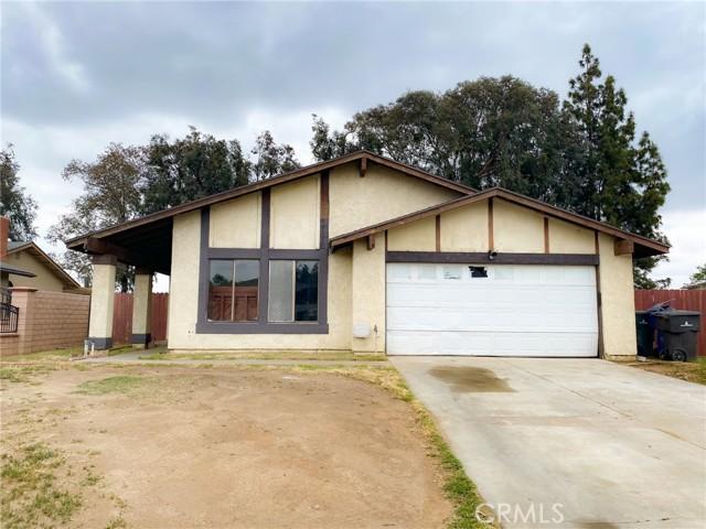 6666 Butte Drive, Riverside CA: http://media.crmls.org/medias/88720bd9-3862-466b-8556-9ff585b9561f.jpg