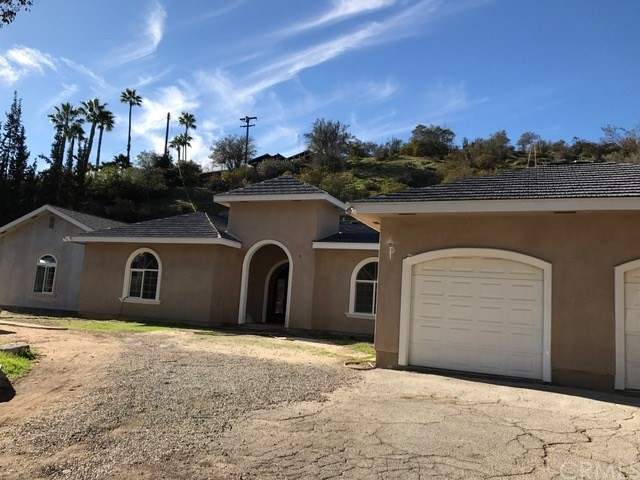 Single Family Home for Sale at 211 Country Club Place 211 Country Club Place Burbank, California 91501 United States
