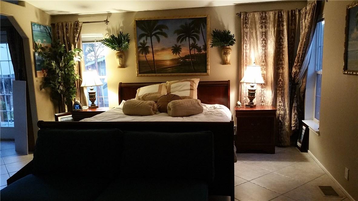 1245 W Cienega Avenue, San Dimas CA: http://media.crmls.org/medias/88737c08-4db3-418b-adf5-116982e35ae1.jpg