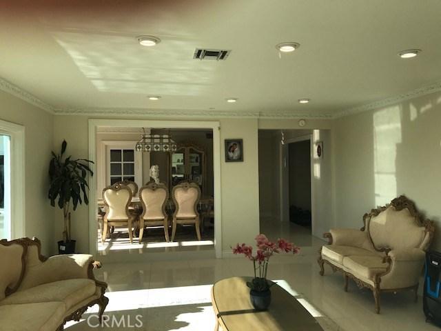 4932 Casa Drive, Tarzana CA: http://media.crmls.org/medias/88755542-676b-46b4-a669-0b77dca394ee.jpg