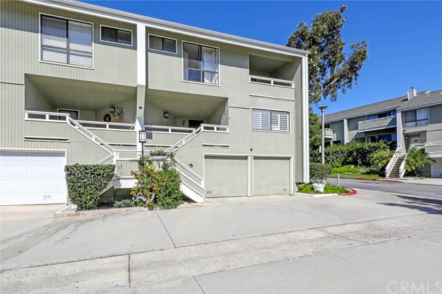 33 Ima Loa Court, Newport Beach CA: http://media.crmls.org/medias/8877fdd2-6593-48ab-aa80-cfef491416de.jpg