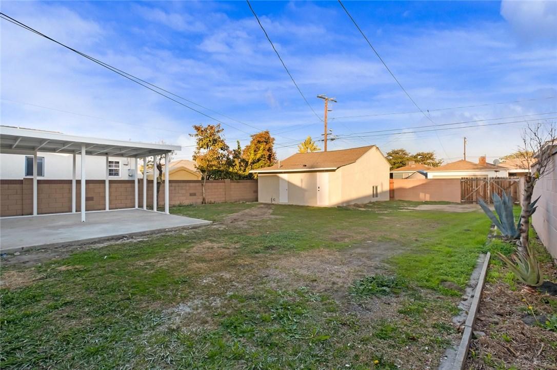 14804 Ibex Avenue, Norwalk CA: http://media.crmls.org/medias/88899be1-1d6b-4991-b333-34dd45166576.jpg