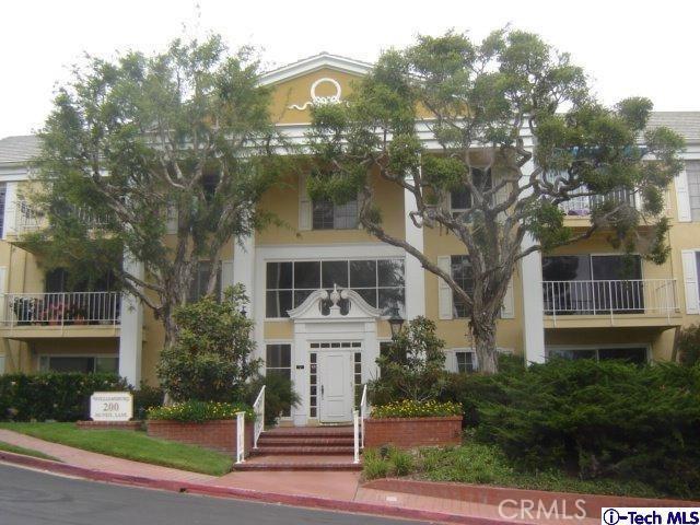 200 McNeil Lane, Newport Beach CA: http://media.crmls.org/medias/8899a0a8-aa94-471b-b9c8-6ce67fb2d128.jpg
