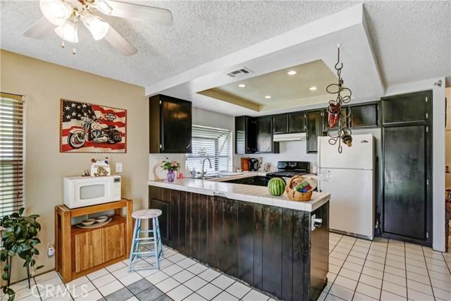 5578 Aster Street, San Bernardino CA: http://media.crmls.org/medias/889b7985-252d-43d7-a4a4-f380443e6372.jpg