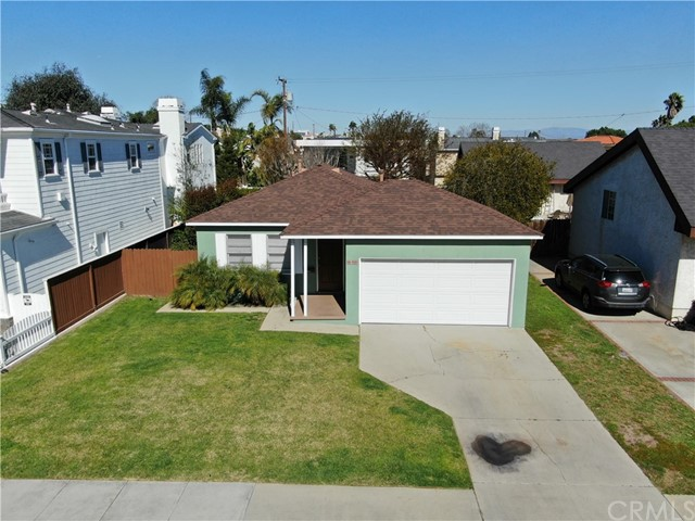 1311 18th Street, Manhattan Beach, California 90266, 2 Bedrooms Bedrooms, ,1 BathroomBathrooms,Single family residence,For Sale,18th,SB21033175