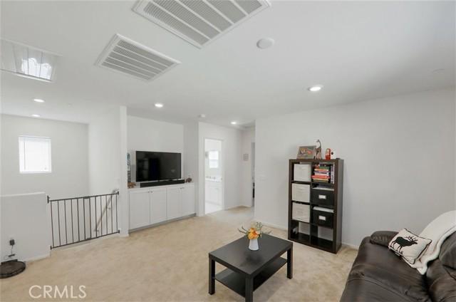 2040 Mesquite Lane, Colton CA: http://media.crmls.org/medias/88a38c8f-cfa0-40fc-bc03-aee2c149dbb5.jpg