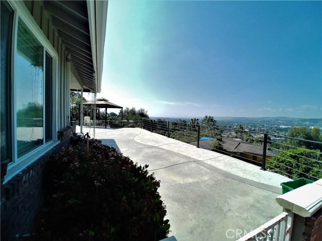 980 Hillcrest Drive, Pomona CA: http://media.crmls.org/medias/88a46d14-c771-4e47-8a18-d8a9ccadd8d0.jpg