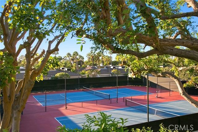 70 Ocean Vista, Newport Beach CA: http://media.crmls.org/medias/88a5854f-6dd6-49fe-97fe-eb8cebdafc1f.jpg