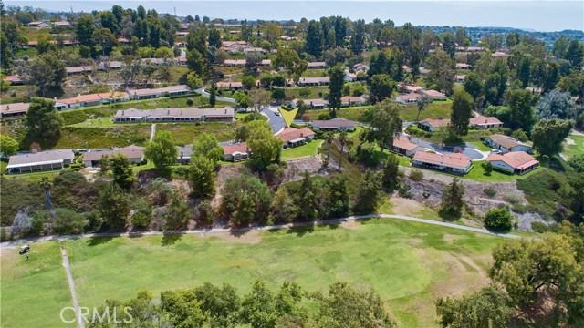 23671 Via Agustini, Mission Viejo CA: http://media.crmls.org/medias/88b3d658-840e-478c-ab40-6d4906197091.jpg