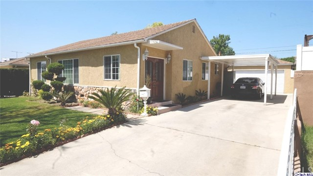Single Family Home for Sale at 13749 Bracken Street Arleta, California 91331 United States