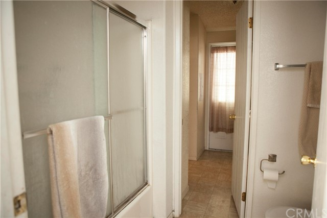 901 S Sixth S Avenue, Hacienda Heights CA: http://media.crmls.org/medias/88c3df09-8600-45e6-8dd2-d2c93530e02e.jpg