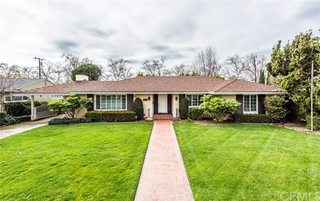 Single Family Home for Sale at 2318 Rosewood Avenue N Santa Ana, California 92706 United States