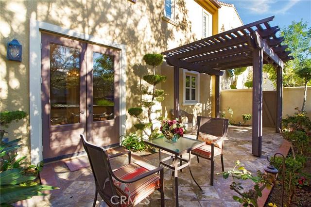95 Chantilly, Irvine CA: http://media.crmls.org/medias/88cd6ea9-f41f-47e1-b974-aff59165263e.jpg