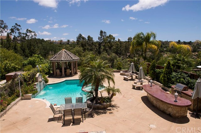 Single Family Home for Sale at 10 Arcata St Mission Viejo, California 92692 United States