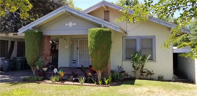 Detail Gallery Image 1 of 1 For 2611 N Wishon Ave, Fresno,  CA 93704 - 3 Beds   1 Baths