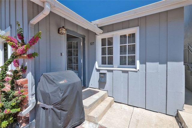127 16TH STREET, MANHATTAN BEACH, CA 90266  Photo