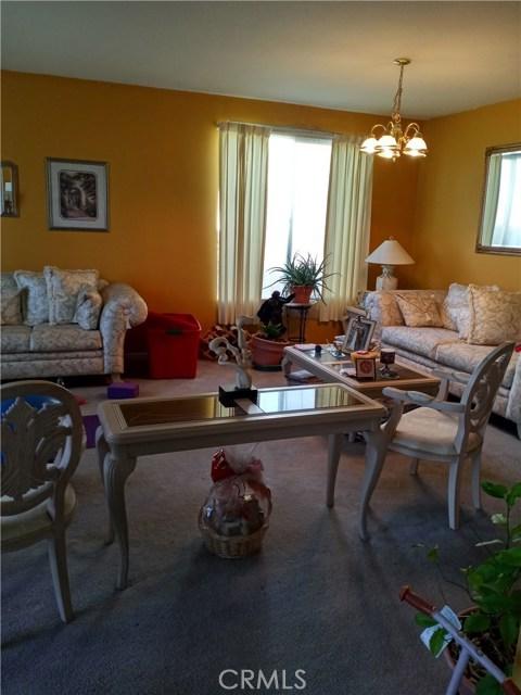 13997 Luna Road, Victorville CA: http://media.crmls.org/medias/88f1aedd-38bd-4ca5-8be6-acce460b3538.jpg