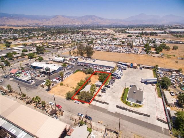 845 Preston Street, San Bernardino CA: http://media.crmls.org/medias/89028d95-8d1d-4ad2-a8f4-44d1de50a1a8.jpg