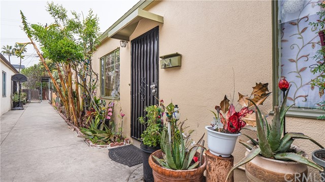 12111 Washington Pl, Los Angeles, CA 90066 photo 1