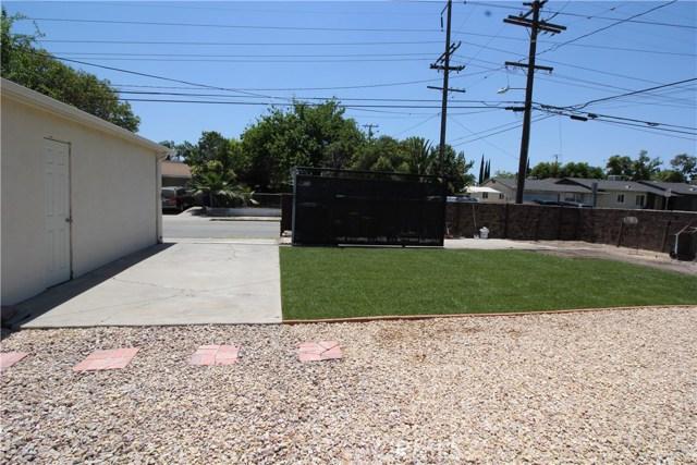 798 Bunker Hill Drive, San Bernardino CA: http://media.crmls.org/medias/89047818-47f4-4d42-acfc-fe54468870f6.jpg