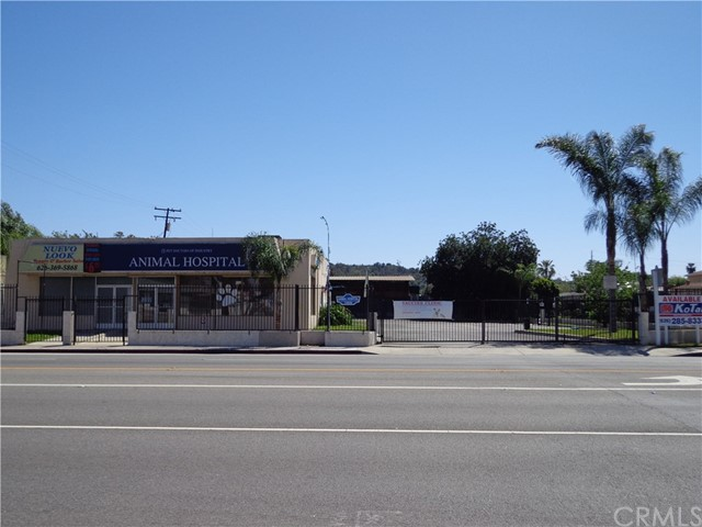 Additional photo for property listing at 15806 Amar Road  City Of Industry, California 91744 Estados Unidos
