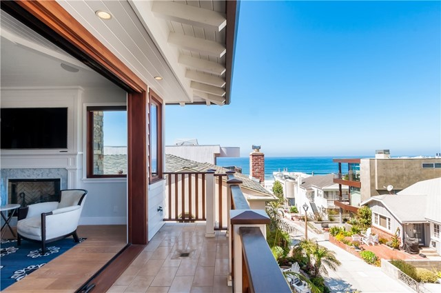 Single Family Home for Sale at 132 16th Street Manhattan Beach, California 90266 United States