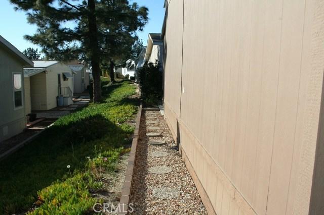 24001 Muirlands Boulevard, Lake Forest CA: http://media.crmls.org/medias/89240d17-a169-49aa-a705-4317d5881c85.jpg
