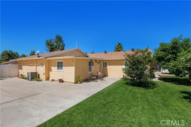 6445 Foster Drive, Riverside CA: http://media.crmls.org/medias/8925938a-f016-4690-a392-73c4c6b92468.jpg