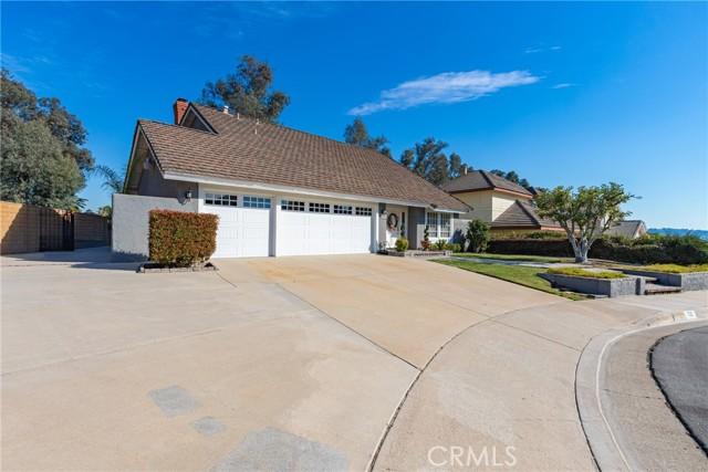 地址: 720 Lone Eagle Road, Walnut, CA 91789