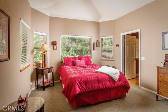 160 Birchwood Drive Lake Arrowhead, CA 92352 - MLS #: EV18110147