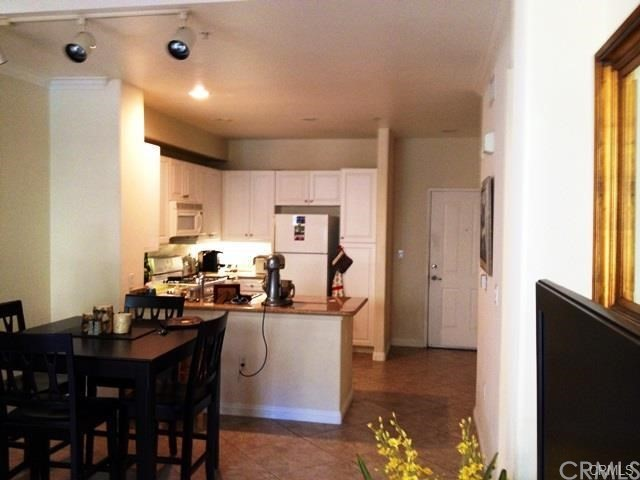 3107 Watermarke Place , CA 92612 is listed for sale as MLS Listing OC18118703