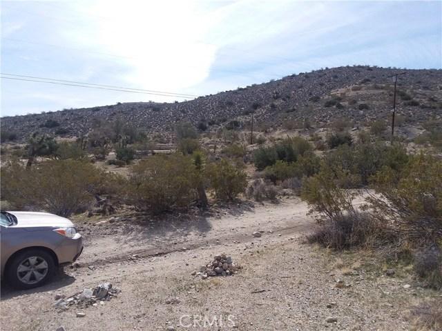 1 Finch Run, Yucca Valley CA: http://media.crmls.org/medias/894d58d4-8835-45b0-99a2-d6a69e56437d.jpg