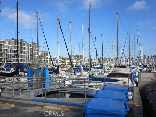 828 N Lucia Avenue, Redondo Beach CA: http://media.crmls.org/medias/895b1ed2-9707-4f16-9ea7-2f05faaa67f7.jpg