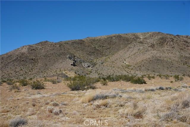 66000 Sunnyslope Drive, Joshua Tree CA: http://media.crmls.org/medias/895bdca7-dabc-4144-b59c-04734203cad4.jpg